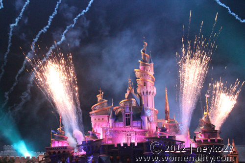 Hongkong Disneyland - Castle and Fireworks