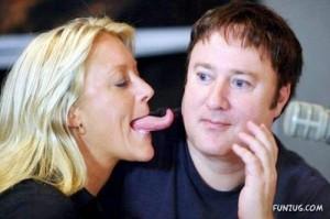 longest_tongue_woman_funzugorg_01