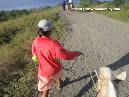 Horse back riding going to Taal Volcano