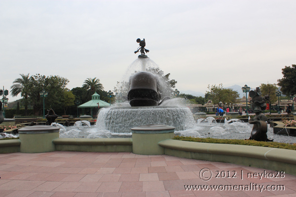 MIckey Mouse's Fountain that will greet you upon entering Disneyland
