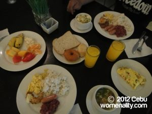 Crown Regency Breakfast - not so good presentation