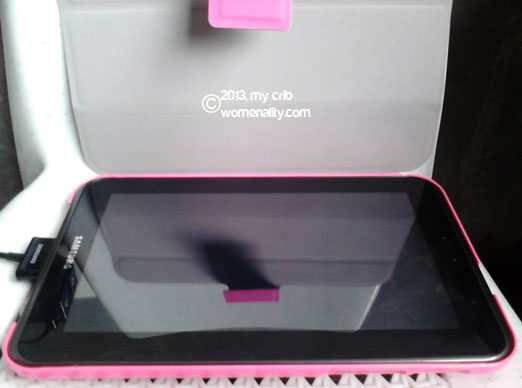 Samsung Galaxy Tab 2.0 with pink capdase